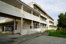 日本の小学校、閉鎖さ...
