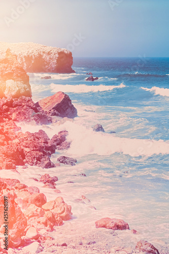 Dreamy ocean coast in summer Fototapete