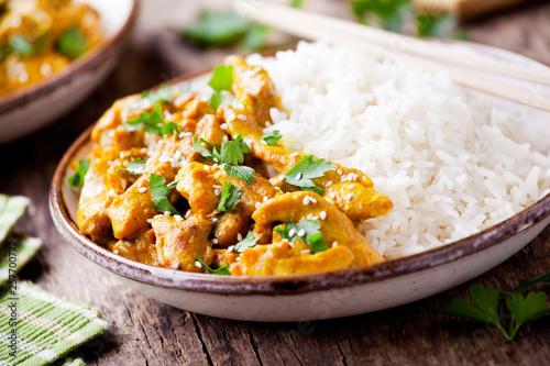 Fotografía  Couple Of Bowls Of Chicken Curry