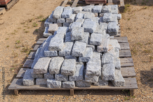 Photo Gray Stone Ashlars or Bricks on a Palette: Palette of Gray Stone ashlars or bricks used for construction and landscaping