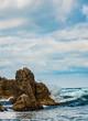 鳥取県水尻洞門・,鴨ヶ磯の海食地形と白波
