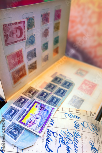Papiers peints Imagination Old fashioned stamps album series