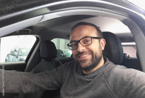 Tassista alla guida della sua auto Canvas Print