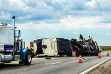 Fifth Wheel RV Overturned On H...