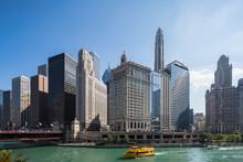 USA, Illinois, Chicago, Chicago River, Wyndham Grand Chicago Riverfront