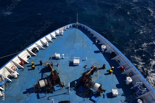 Foto  Prua di una nave di linea durante la navigazione