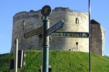 Clifford's Tower - York, Yorks...