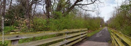 Fotografía Views of Bridges and Pathways along the Shelby Bottoms Greenway and Natural Area