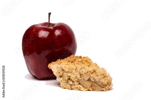 Photo  Dutch Apple Pie Slice with Red Apple