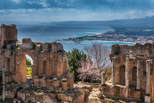 Fotografie, Obraz Ruins of Ancient Greek Theater of Taormina (Tauromenion in Greek), Metropolitan area of Messina, Eastern Sicily, Italy
