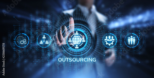 Fotografía  Outsourcing Global Recruitment Business and internet concept.