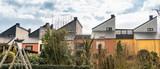 Fototapeta Fototapeta Londyn - Zabudowa malomiasteczkowa, skosne, dachy trojkatne. Bawaria