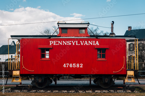 Slika na platnu A red caboose in New Oxford, Pennsylvania