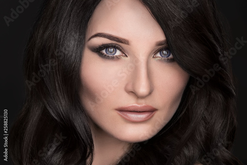 Fototapety, obrazy: Portrait of a sexy brunette with an elegant hairstyle and evening makeup
