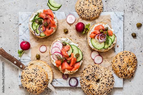 Cadres-photo bureau Snack Salmon Bagel Sandwiches