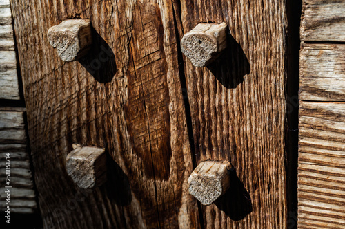 Fotografia, Obraz traditional dowel joinery on post and beam timber structure