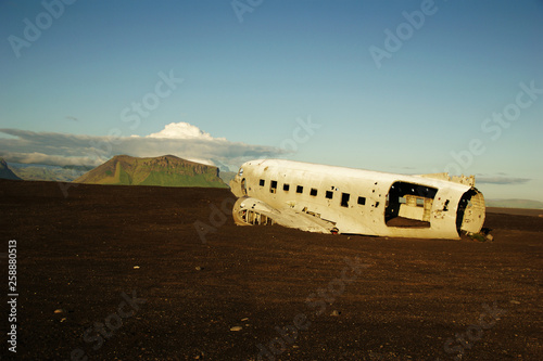 Fotografie, Obraz Wreckage of crashed airplane in 1973 Douglas R4D Dakota DC-3 C 117 of the US Nav