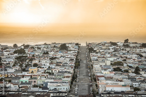 View of the sunset district of San Francisco as a rain storm moves in at sunset Canvas-taulu