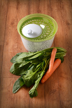 Centrifugal Dryer For Salad Wi...
