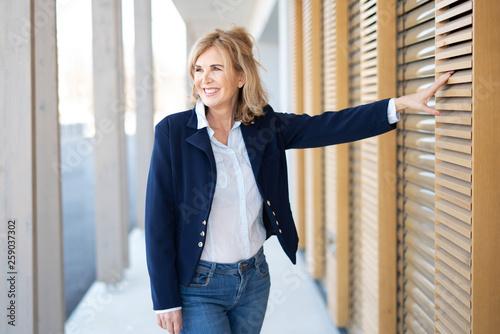 Fotografie, Obraz  Attraktive Frau im Alter von 60 Jahren, Best Ager