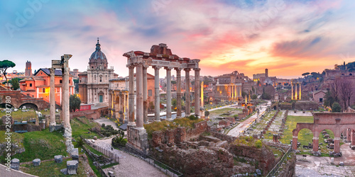 Foto auf Leinwand Rosa hell Ancient ruins of Roman Forum at sunrise, Rome, Italy