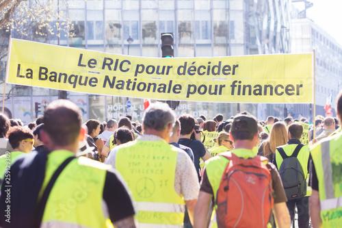 Valokuva  Manifestation des Gilets Jaunes à Paris