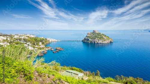 Foto  Ischia Island and famous landmark and travel destination Aragonese Castle or Castello Aragonese, Italy