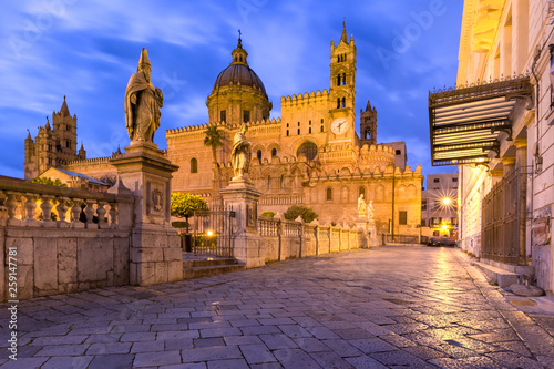 Papiers peints Palerme Palermo cathedral, Sicily, Italy