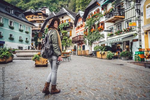 Cuadros en Lienzo  Beautiful girl in an alpine village