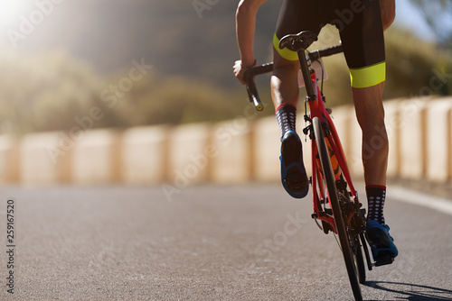Foto Road bike cyclist man cycling,athlete on a race cycle