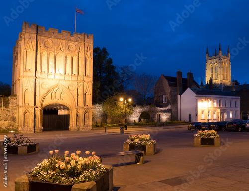 Foto Europe, UK, England, Suffolk, Bury St Edmunds gatehouse cathedral