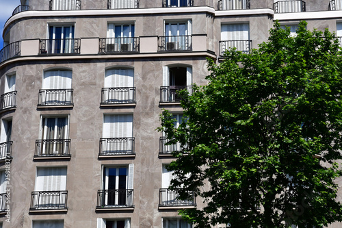 Canvas Print Paris; France - april 2 2017 : boulevard des Capucines
