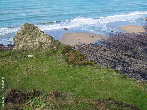 Photo  Beautiful coast path between Widemouth Bay and Bude on the wild and scenic Corni