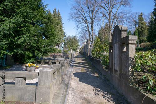 Keuken foto achterwand Kanaal Blick über den Friedhof