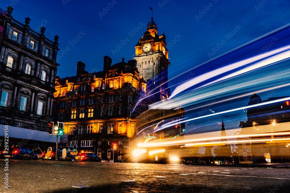 Photo  Edinburgh city and Night, Long Exposure shots, Scotland Uk, Traveling in Europe