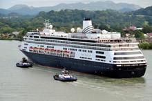 Cruise Ship Entering Panama Ca...