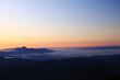 東北飯豊連峰 三国岳避難小屋からの朝の景色 雲海と磐梯山