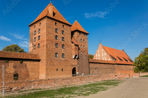 Foto  Malbork Castle is famous landmark of Poland outdoor.