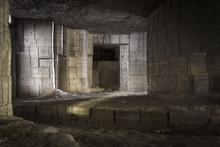 Ambiance Tombe Egyptienne Dans Les Mines De Saint Resitut