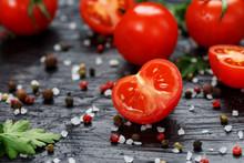 Fresh Sliced Cherry Tomatoes O...