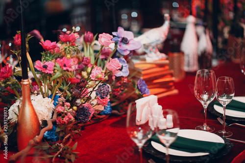 Obraz na plátně  Table wedding decor in red and black tones