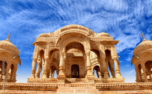 Photo  ancient royal cenotaphs and archaeological ruins at Jaisalmer Bada Bagh Rajastha