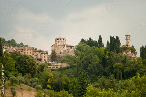 Fotomural La bella Asolo ,famosa per L'antiquariato