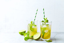 Iced Green Tea With Lime Juice,  Honey And Fresh Mint Leaves ( Tra Chanh, Vietnamese Iced Tea)