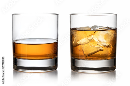 Papiers peints Alcool Glass of whisky