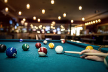 Selective Focus At Billiard Ba...