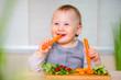 canvas print picture - Baby isst gesund