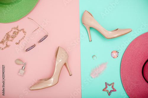 Staande foto Retro sign Woman shoes