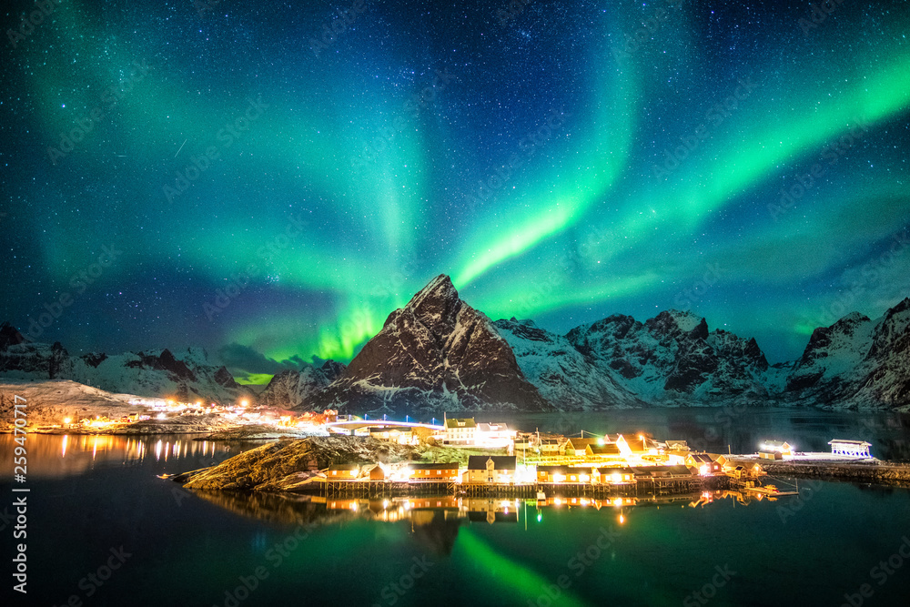 Fototapety, obrazy: Aurora borealis over mountains in fishing village