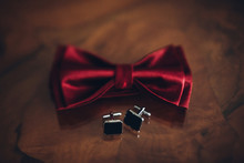 Stylish Red Bow Tie And Cuff L...
